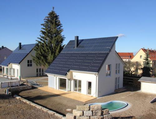 """Erste """"energieautarke Häuser"""" Europas bezugsfertigNeues Energie- und Heizkonzept setzt auf Eigenversorgung - und wählt Bodenfliesen als idealen Belag auf der Fußbodenheizung"""