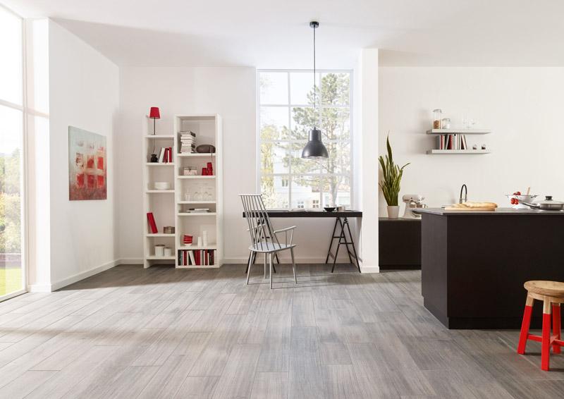 ... Angesagten XL Dielenformat: U201eResidentialu201c Verschafft Wohnräumen Flair U2013  Und überzeugt Als Idealer Wärmeleiter Auf Der Fußbodenheizung. (Foto:  NordCeram)