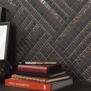 Mosaik in edel schimmerndem Metallglanz - ein Alleskönner bei der Wandgestaltung mit Fliesen