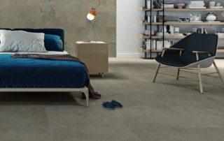 Bodenfliesen sind ein idealer Belag auf der Fußbodenheizung und schaffen im Schlafzimmer ein gesundes Raumklima