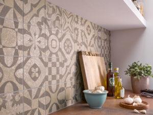 Wandfliesen In Neuien Dekoren Und Mit Raffinierten Oberflächen, Zum  Beispiel Dreimdimensionalem Dekor Design,
