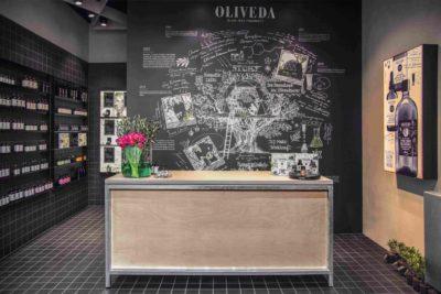 """Für das Design-Konzept des Oliveda-Flagship-Stores entwickelte Agrob Buchtal als Sonderfertigung die Serie """"Craft"""" in als"""