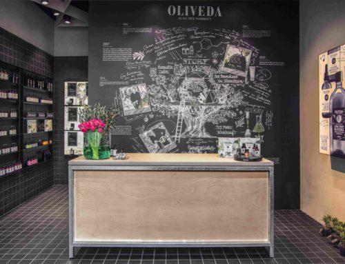 """Interior Design mit Fliesen für Hightech-NaturkosmetikKeramik aus dem Tunnelofen verleiht """"Oliveda""""-Flagship-Store authentische Materialität"""