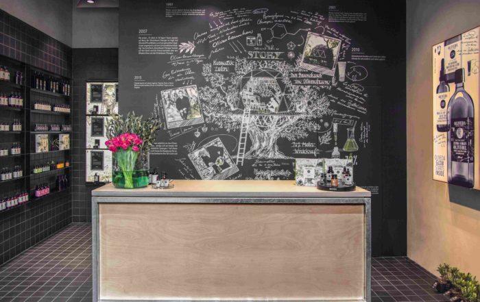Für das Design-Konzept des Oliveda-Flagship-Stores entwickelte Agrob Buchtal als Sonderfertigung die Serie