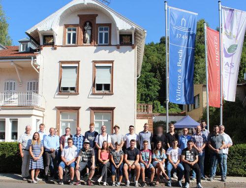 Neue Auszubildende bei der V&B Fliesen GmbH in MerzigDer Fliesenhersteller begrüßt 19 junge Leute zum Start ins Berufsleben