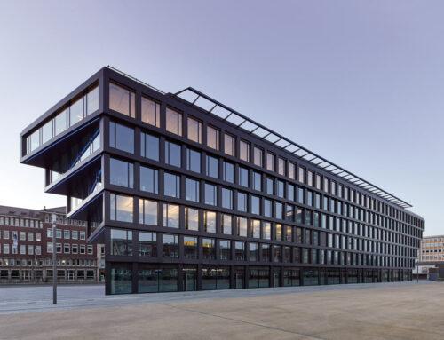 """Mercator One"" – Duisburg / Hadi Teherani ArchitectsBüroarchitektur mit nachhaltigem Materialkonzept: Beton - Stahl - Glas - Keramik"